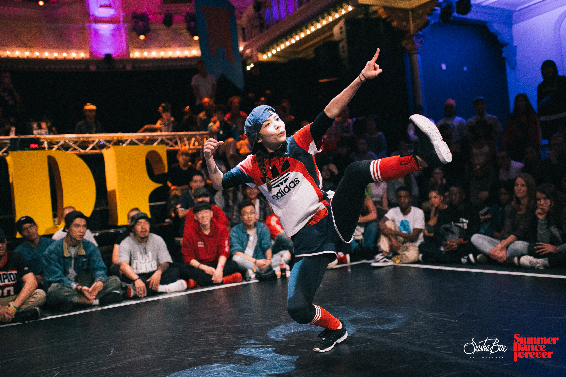 Participants Locking & Popping battle