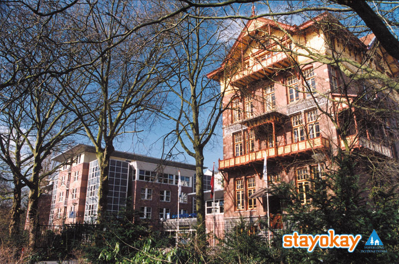 Looking for a place to stay in Amsterdam?